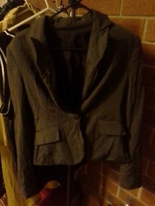 Green grey cue jacket pefect condition Nicholls Gungahlin Area Preview