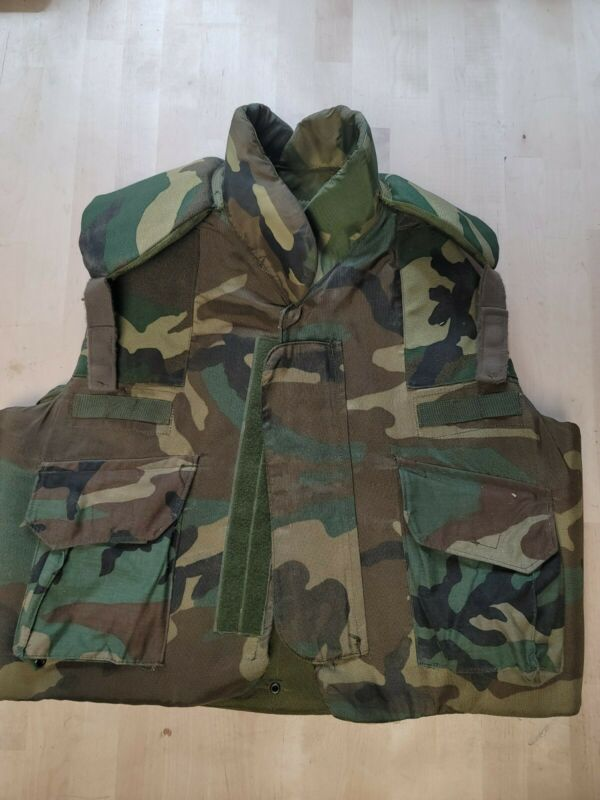 Body Armor Fragmentation Protective Vest, NSN:8470 01 092 8500, Large, Woodland.