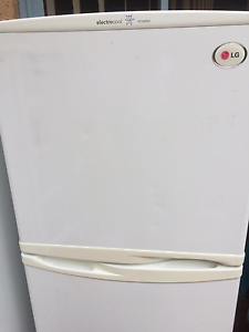 LG GR-262SQ Refrigerator 234L Naremburn Willoughby Area Preview