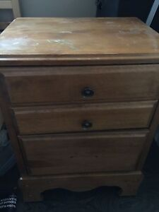 3 piece solid oak night table and dressers