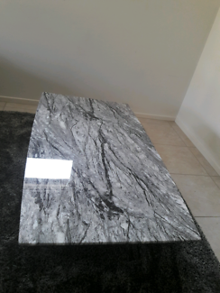 BARGAIN!!Brand New Marble Coffee Table and Rug