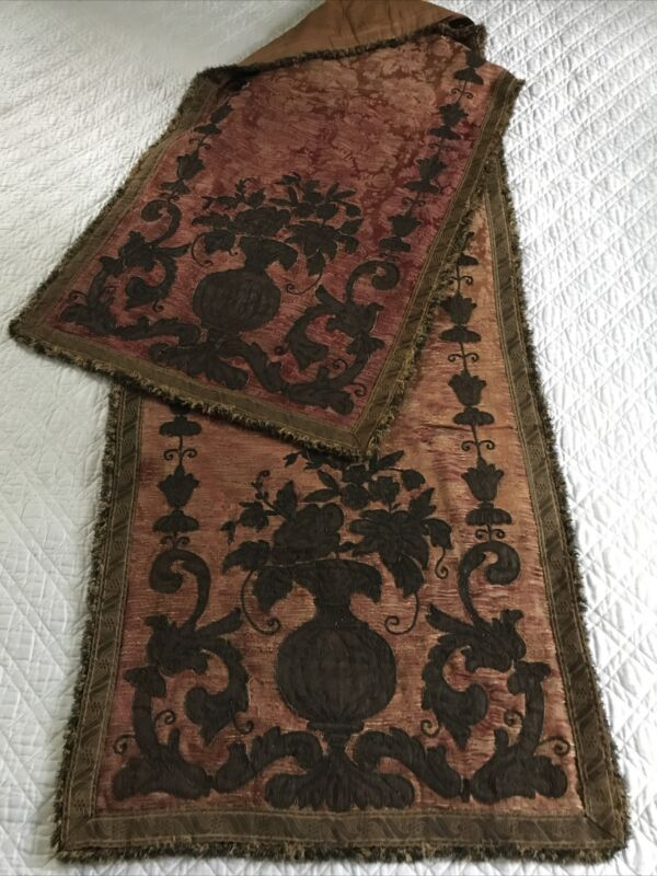 Antique Berry Floral Brocade Tapestry Metal Tread Trim & Applique Table Runner