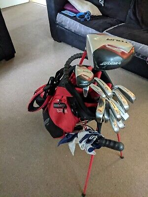 Mens golf clubs full set right handed with bag, Nike balls, Nike glove, tees.