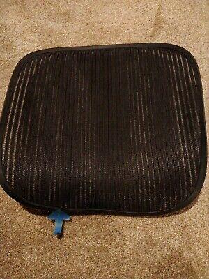 Herman Miller Aeron Chair Seat Black Grey Pellicle W Blemish Size B Medium 115