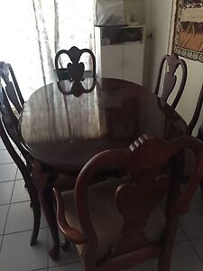 Beautiful mahogany extendable dining table Boronia Heights Logan Area Preview