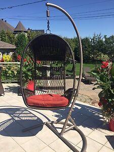 Chaise suspendu extérieur