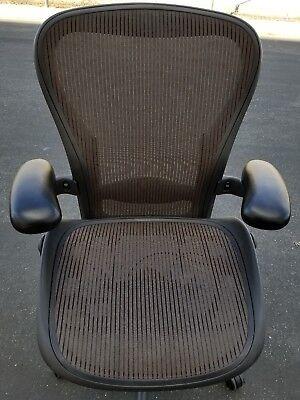 Herman Miller Aeron Mesh Chair Medium Size C Fully Adjustable Lumbar Arms