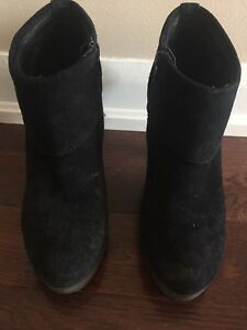 Size 8 black booties - made in Italy