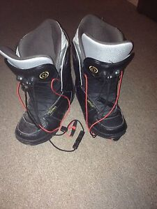 Snowboarding boots size 10