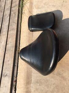 Gel seat taken off Yamaha Vstar 1100