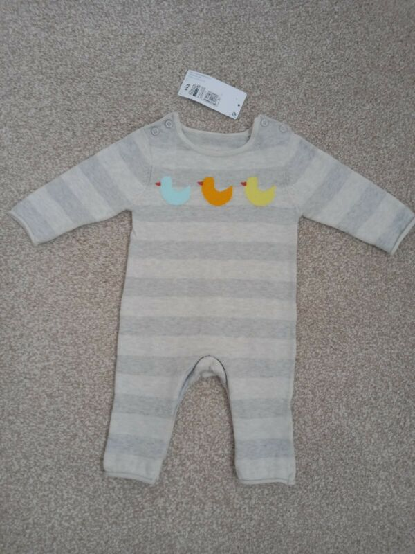 New.+M%26S+baby+knitted+style+outfit+with+Duck+detailing.+Age+0-3+months.
