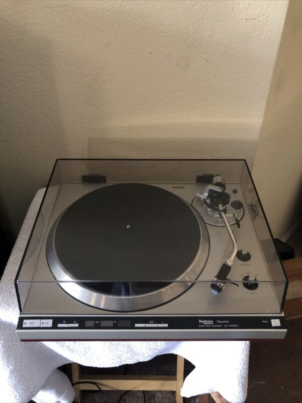 Technics SL-1300 MK2 Fully-Automatic Direct-Drive Turntable system.