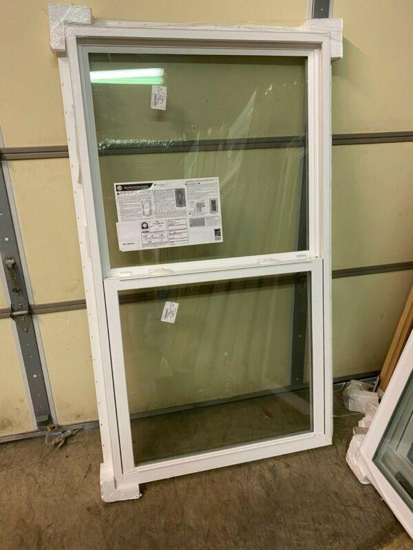 Ply Gem 1500 Traditional Series Single-Hung Window 36 x 74