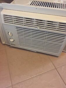 Small window air conditioner ac