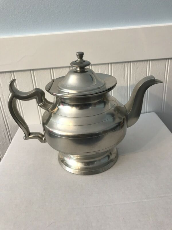 Vintage Woodbury Pewterers Teapot 7 Inches tall