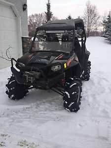 (REDUCED)2011 rzr s 800