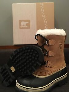 Caribou Waterproof Sorel boots never worn!