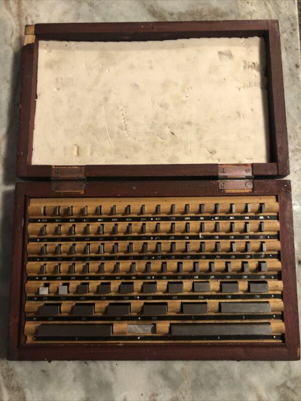 Inch System Gauge Block Set serial no. 93560 grade 2 (A+) With Wooden Box