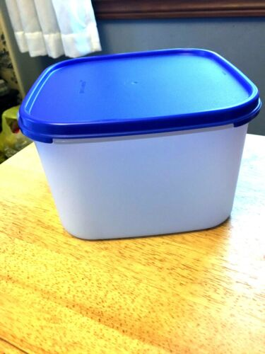 New Tupperware modular mates square 3 container with blue seal