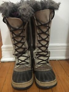 Sorel winter boots for women. Size: 6.5. $30