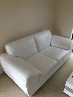 Lounge- white leather