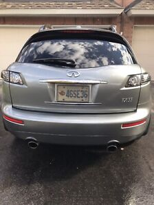 2006 Infiniti FX35 IMMACULATE - All possible options!