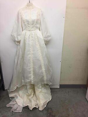 Women's vintage wedding dress