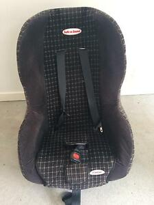 Booster seat/car seat Carseldine Brisbane North East Preview