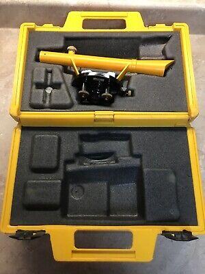 Berger Instruments Model 110 Surveying Transit Level Scope Molded Hard Case
