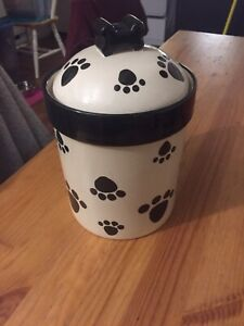 Pot pour biscuit à chien
