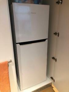 Hisense Fridge/Freezer 230l capacity