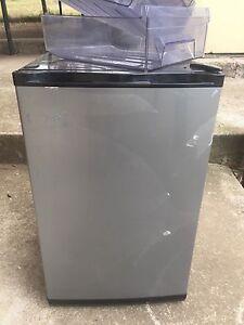 80L Stand Alone Freezer Mulgoa Penrith Area Preview