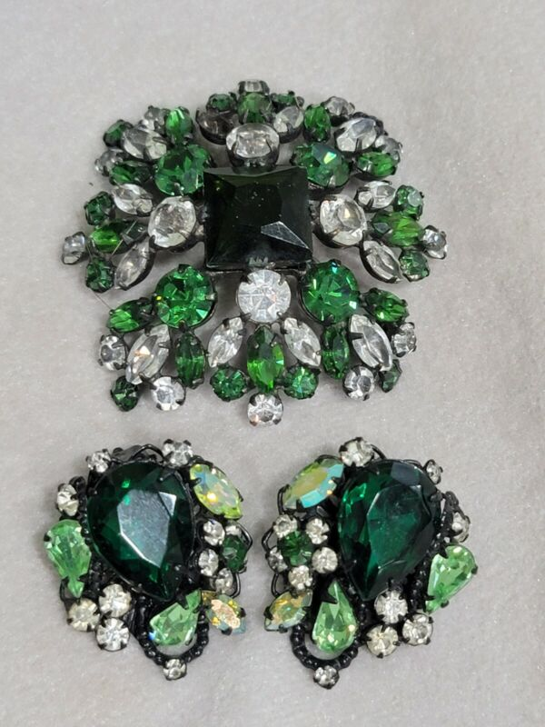 Signed ROBERT Vintage Clips Earrings Green Crystal Glass & Unsigned pin brooch