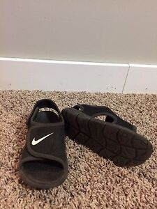 Size 9 Toddler Nike Sandals