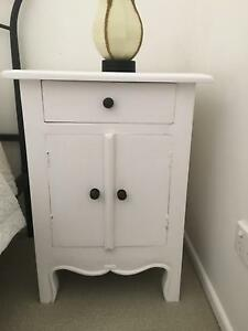 Lovely white heavy bedside cabinet/ Table Noosaville Noosa Area Preview