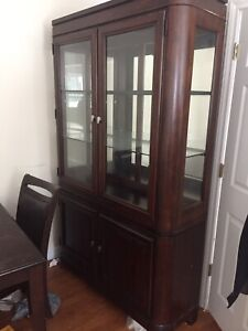 Dinning room table with buffet hutch + 4 chairs