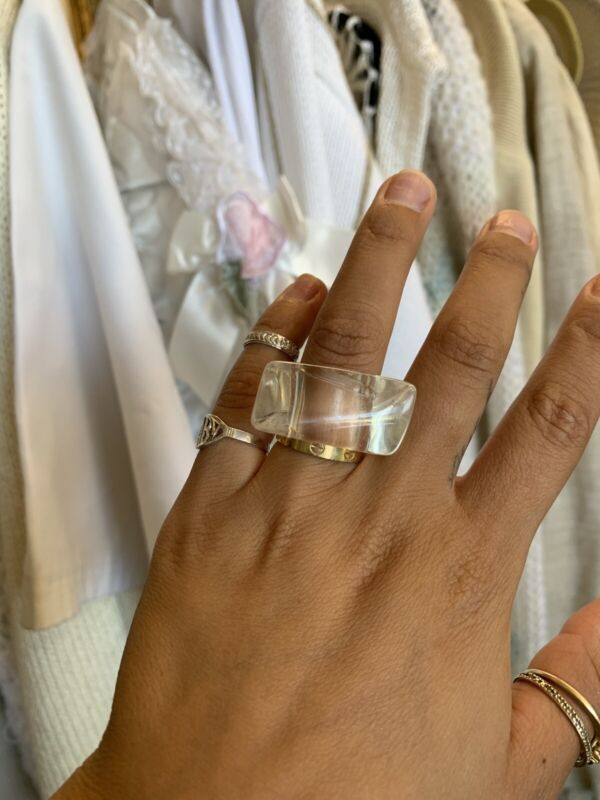 Vintage 1990s Clear Lucite Size 5.5 Cocktail Ring🖤🤎❣️