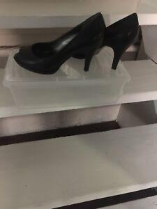 Woman's size 40 black NEW heels