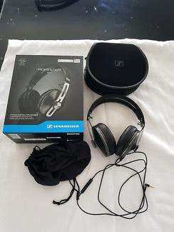 Sennheiser Momentum 2 Headphones (Black)