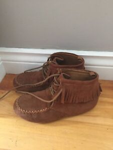 Girls Moccasins