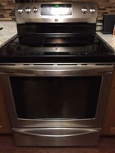 Moving Sale! Kenmore ceramic top self clean convection oven