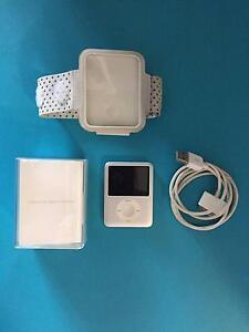 iPod Nane 8GB SIlver Duncraig Joondalup Area Preview
