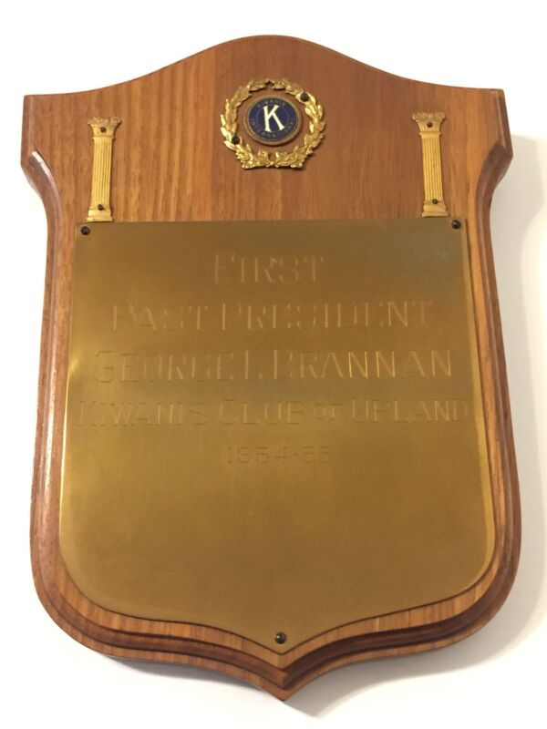 Vtg 1950s Kiwanis Club First Past President Brass Wood Plaque 1954-55 Upland CA