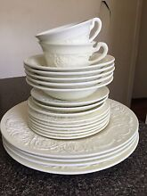 "Wedgwood ""Patrician"" Dinnerware 20 Pieces Palm Beach Gold Coast South Preview"