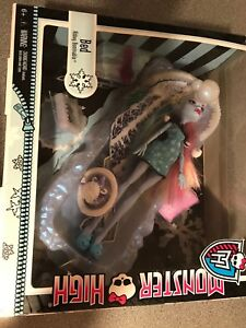 Monster High Abby abominable ice bed with box