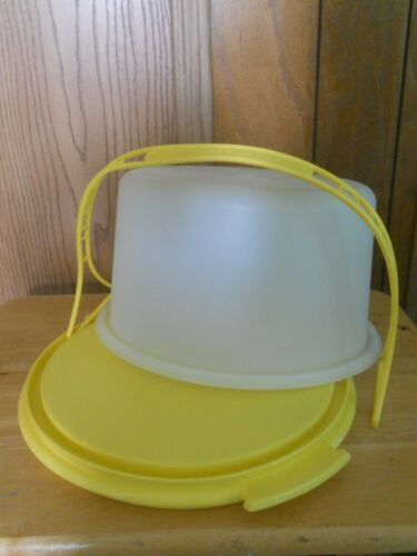Tupperware Yellow Cake Taker Carrier Holder #683, 684 Clear Cover With Handle