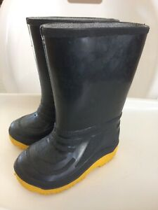 Size 8 toddler rain boots
