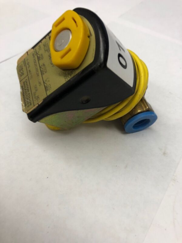 """1/4"""" Gold Ring 2-Way N/C 04F25C2122CAF Operated Solenoid Valve Parker Hannifin"""