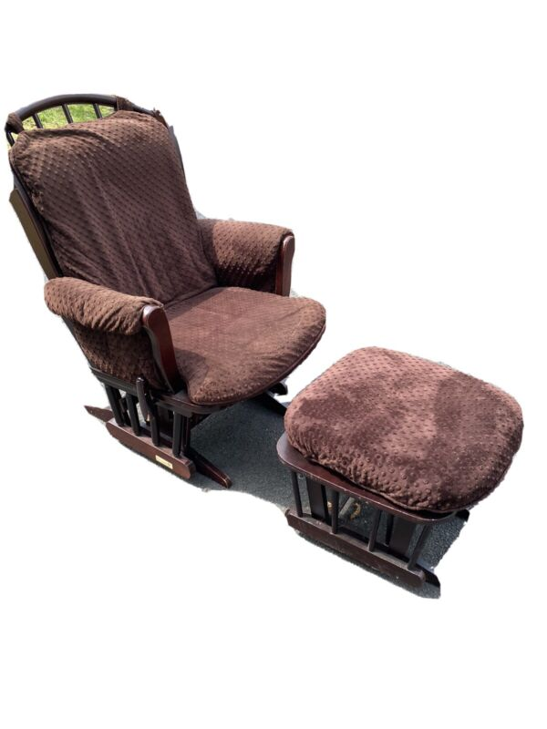 Dutailier Glider and Ottoman with Cushions