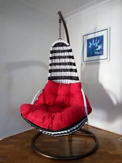 Outdoor Swing Trapeze Wicker Rattan Hanging Pod Moon Chair *ED018